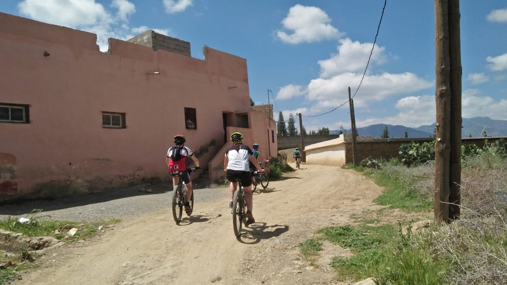 MTB THROUGH THE HIGH ATLAS FROM MARRAKECH 9 DAYS