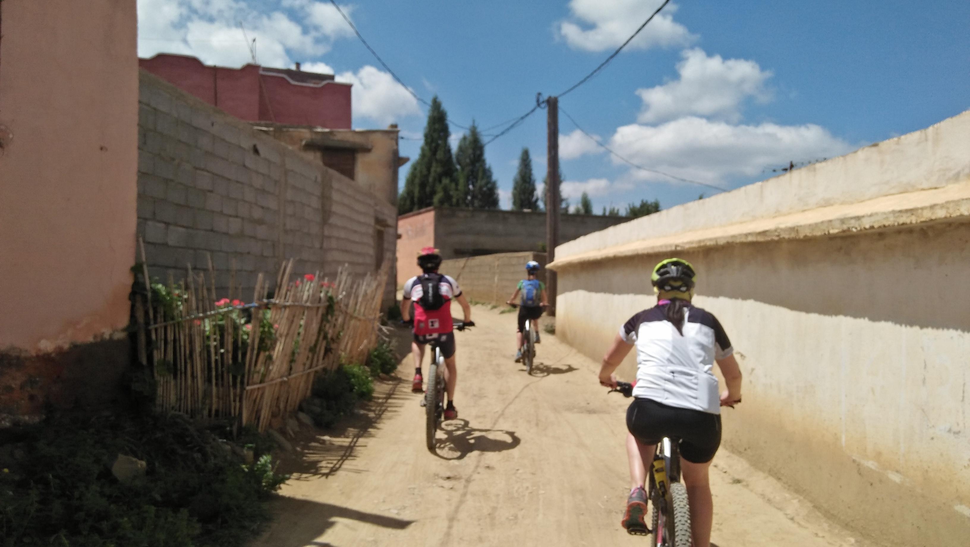 Rutas en btt - Viajes en bicicleta en las montañas del atlas marruecos